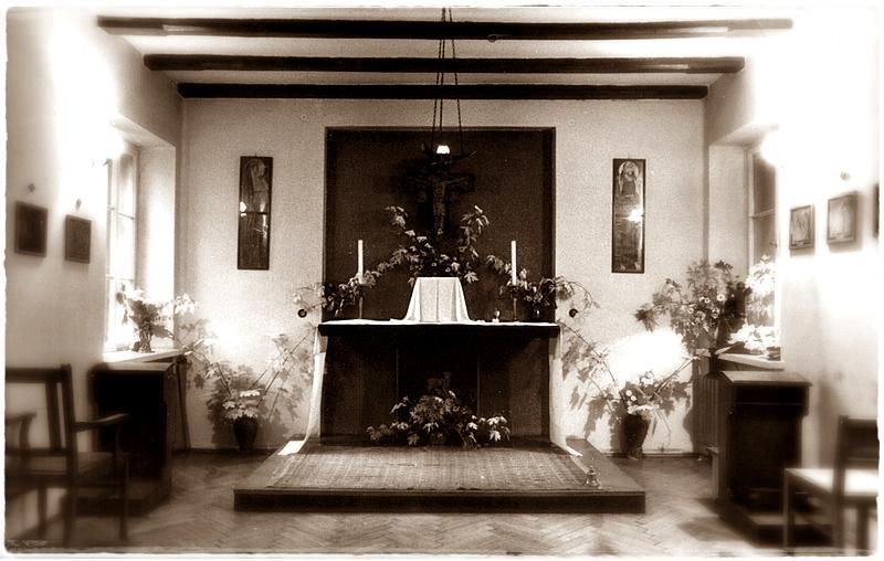 Kaplica Domu Rekolekcyjnego - widok na prezbiterium
