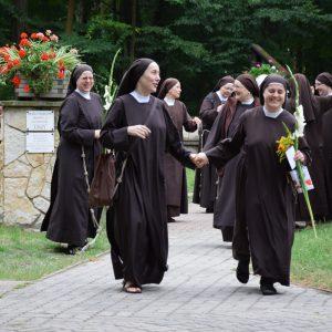 Odnowienie ślubów przez Siostry Juniorystki